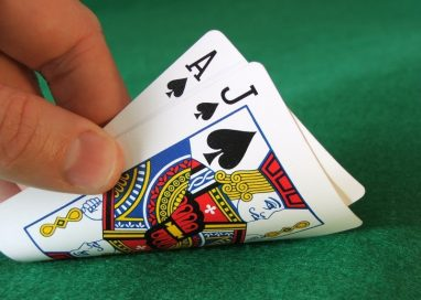 Enjoy playing poker games online: