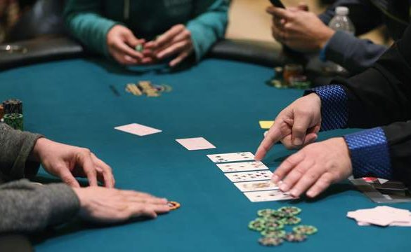 10 tips to survive your first live poker game
